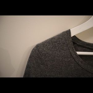 Wilfred (Aritzia) high/ low T-shirt